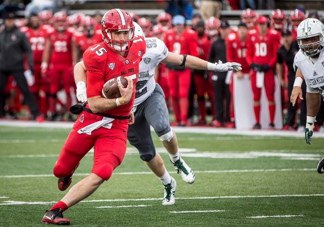 Ball State's Riley Neal, shown here against Eastern Michigan, left Thursday's game against Ohio with a knee injury and did not return.