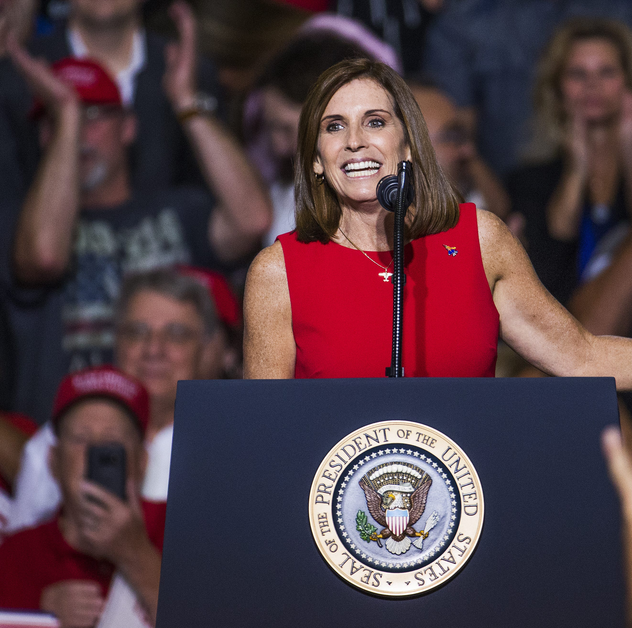 At Mesa rally, President Donald Trump talks up Martha McSally for the Senate
