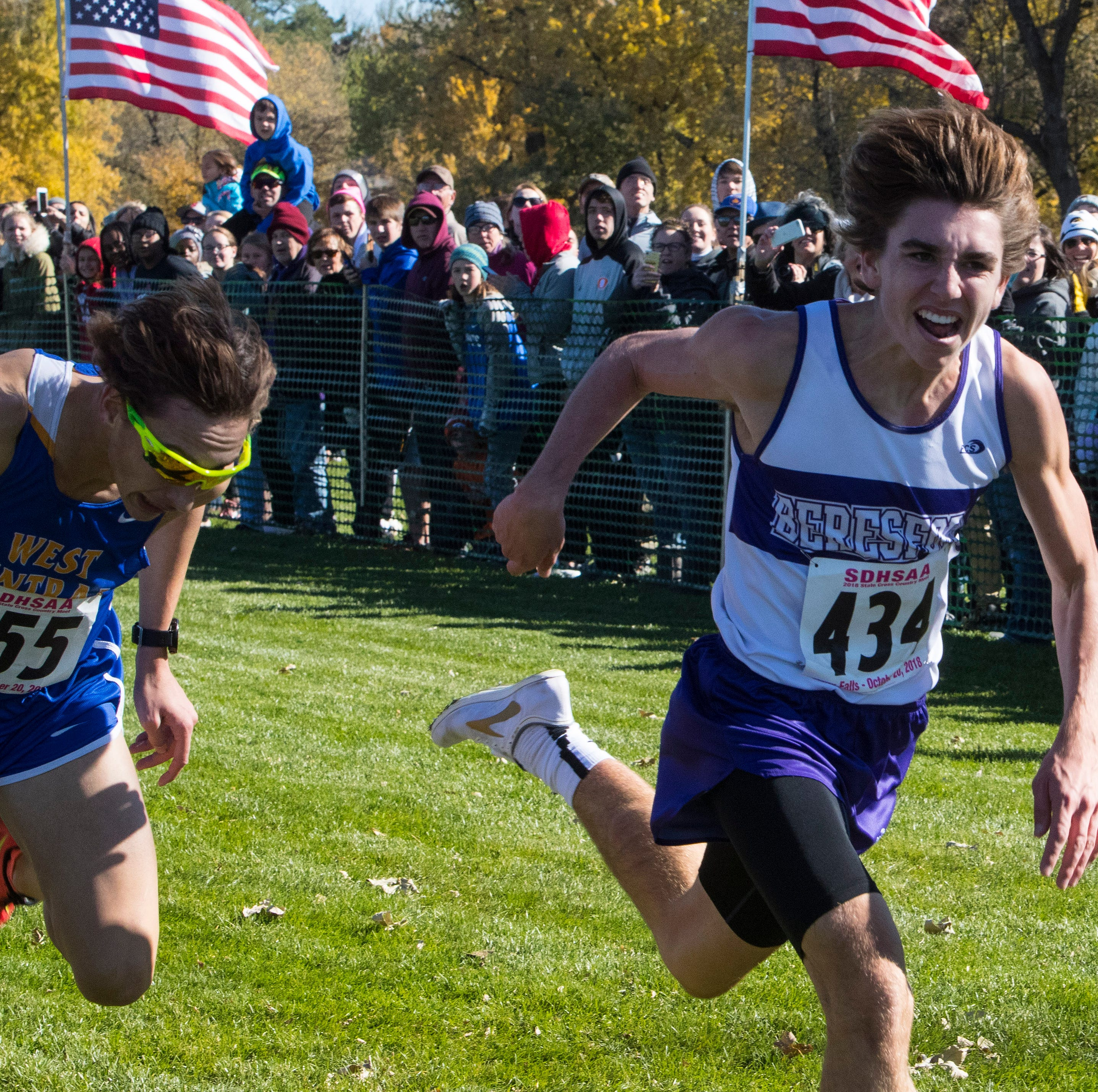 Alec Atwood edges Braden Peters to win 'A' boys title; Ella Byers resets course record