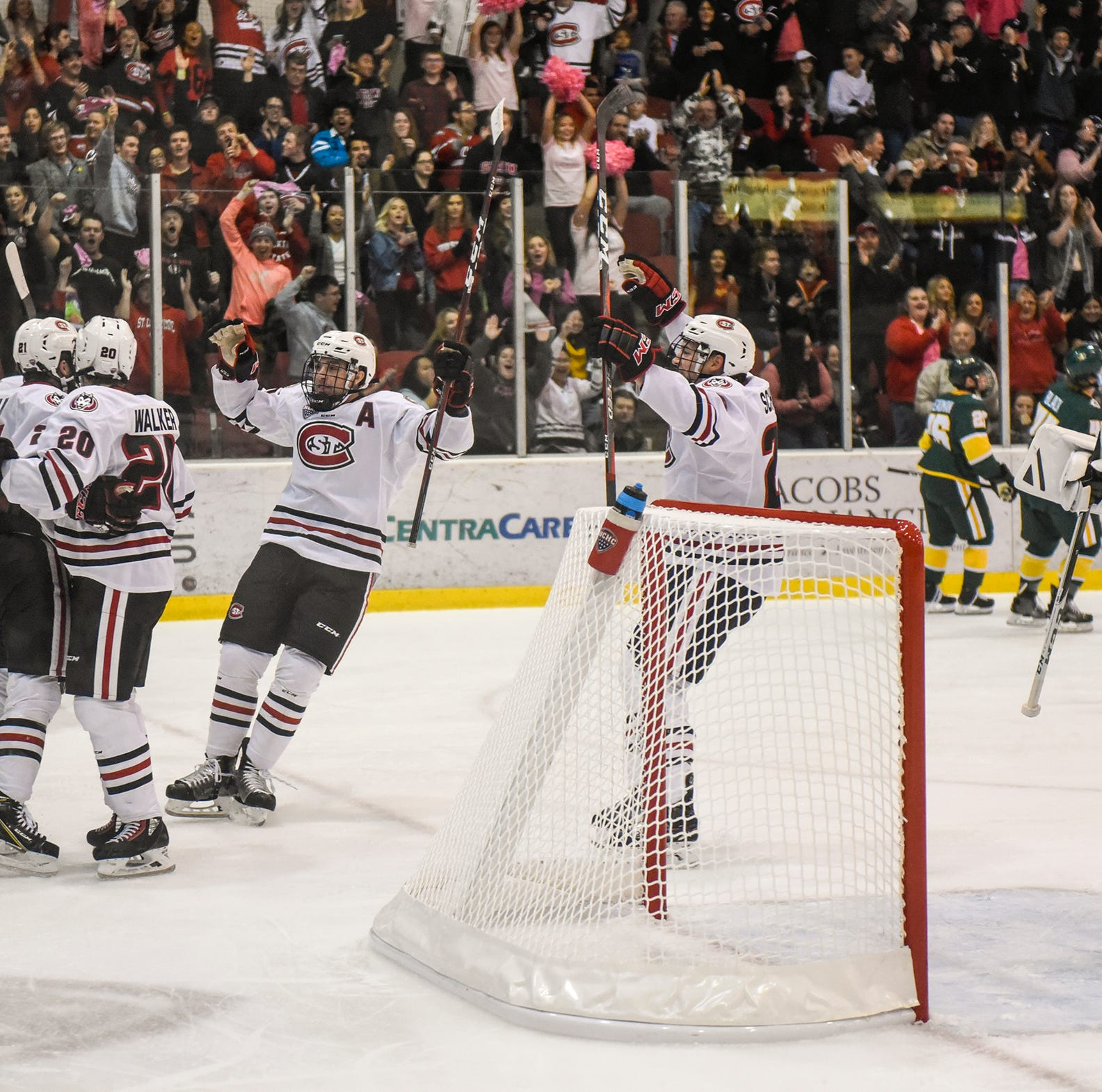 Hentges' offseason work with Lizotte has helped SCSU's top line