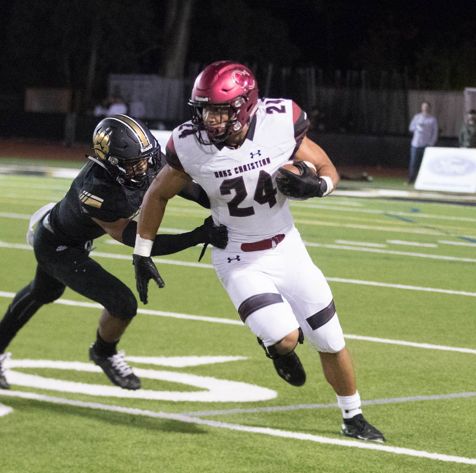 Oaks Christian, Calabasas football teams motivated by community bond during tragic events