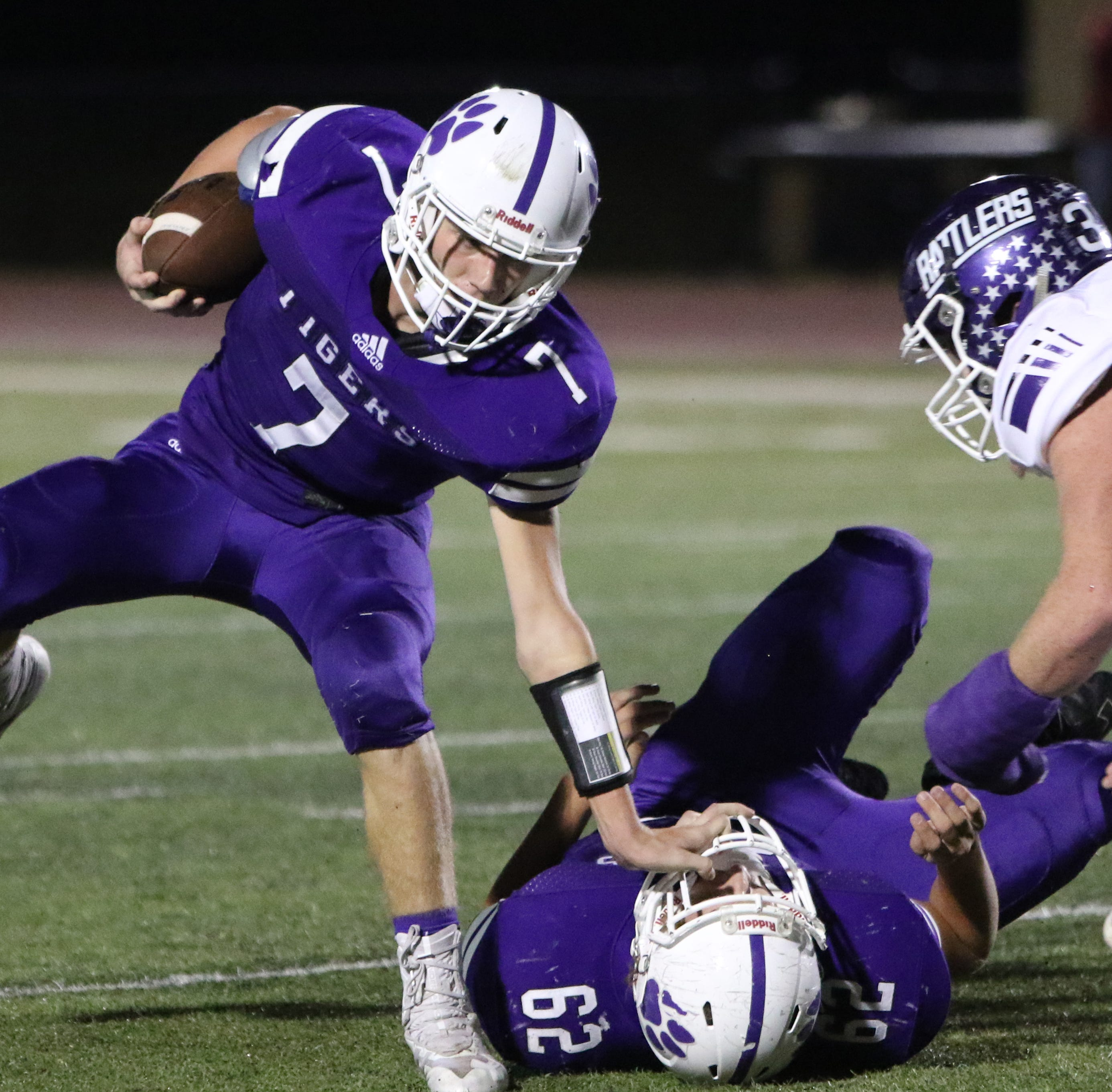 Who won Friday night? UIL Texas Statewide football scoreboard (10-19)
