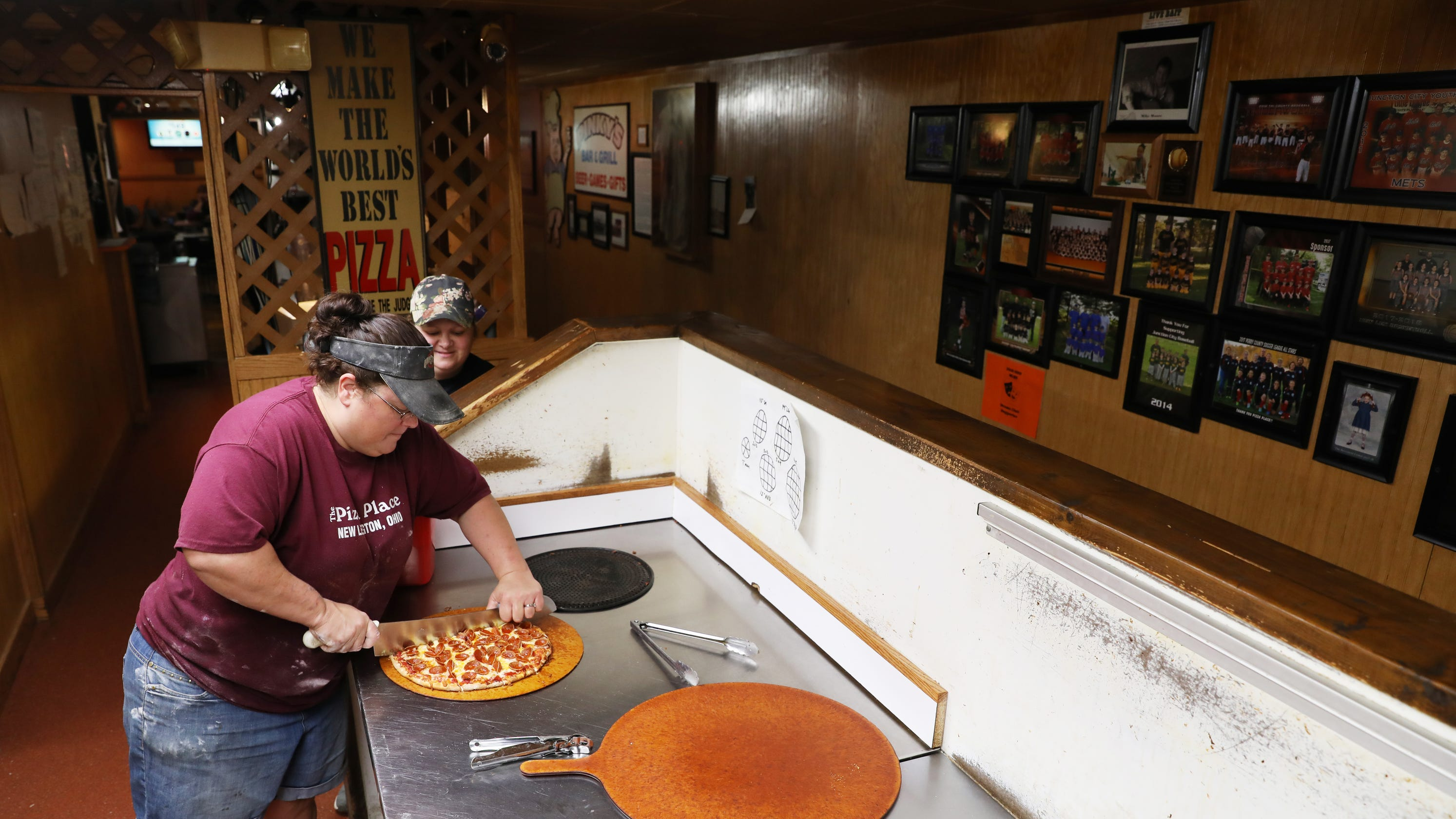 after 35 years the pizza place still stuffing faces