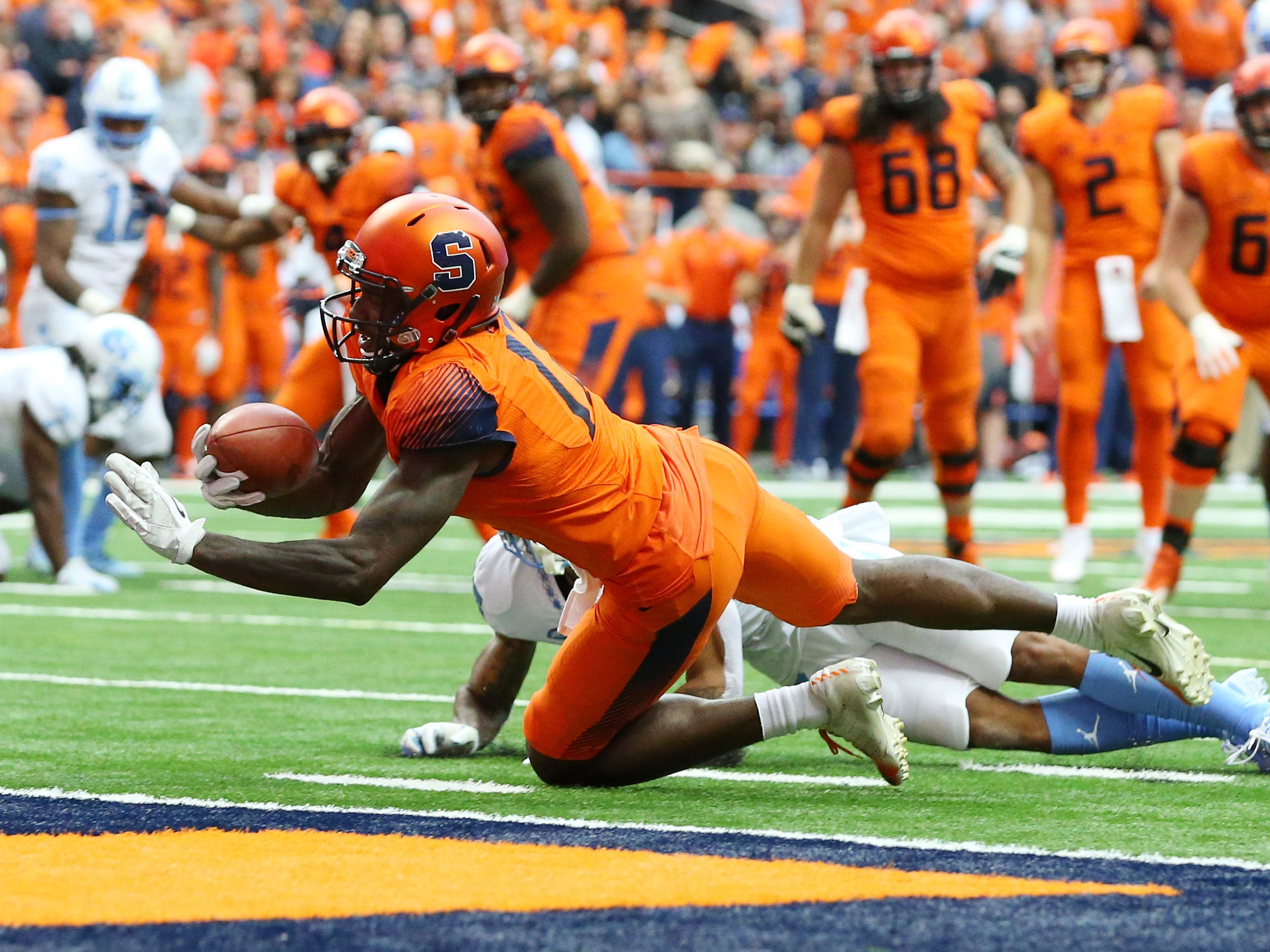 Syracuse Orange wide receiver Jamal Custis catches a pass short of the end zone against the North Carolina Tar Heels during the second quarter at the Carrier Dome.