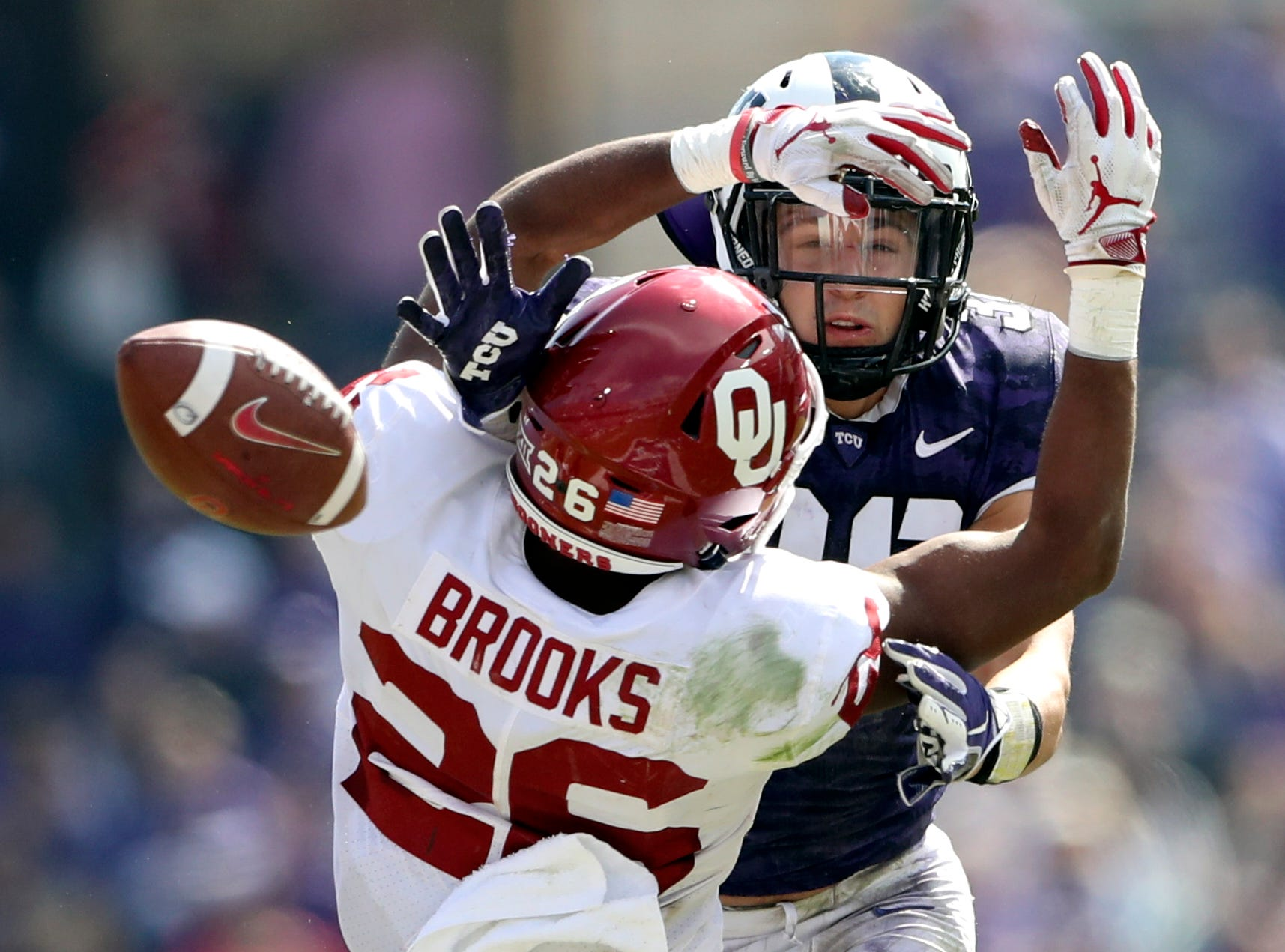 TCU Horned Frogs linebacker Garret Wallow (30) defends a pass intended for Oklahoma Sooners running back Kennedy Brooks (26) during the second half at Amon G. Carter Stadium.