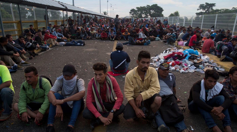 Migrant caravan Honduras: Migrants stuck on Mexico border