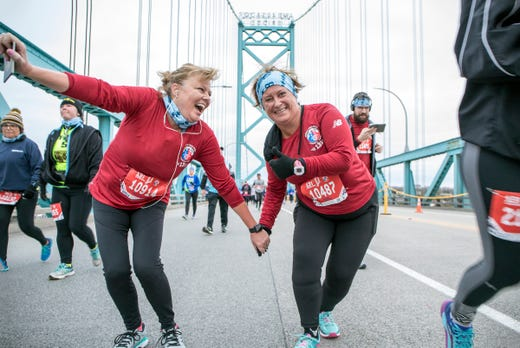 dbc4f1ff9fc62 Detroit marathon 2018  Track your runner with our new app!