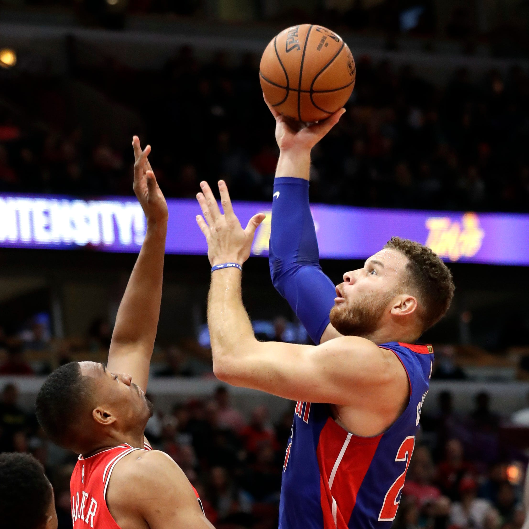 Ish Smith's layup sends Detroit Pistons to victory over Bulls, 118-116