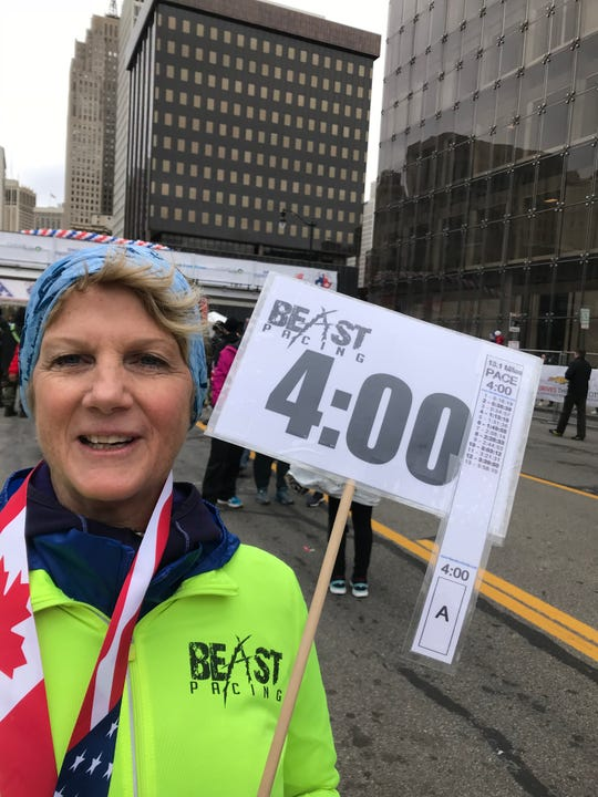 Denise Liss traveled from home in Chicago to pace half-marathoners aiming at four-hour finishes.