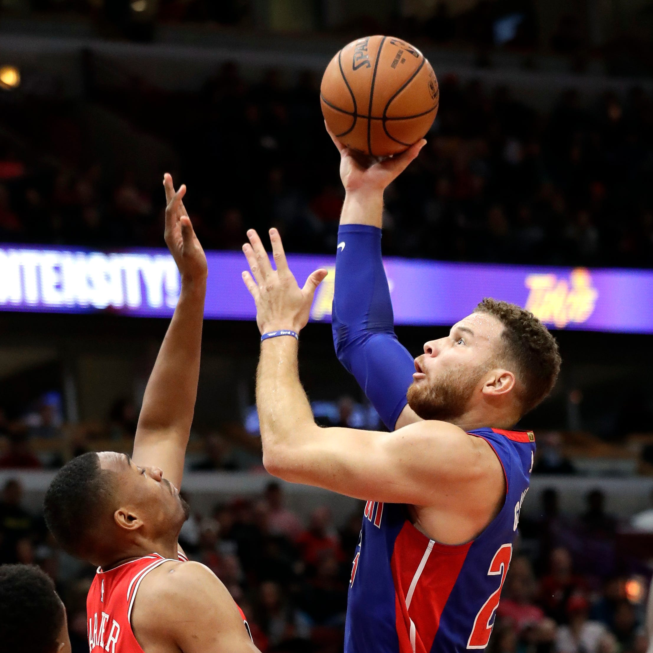 Pistons go to 2-0 behind Griffin's 33 points