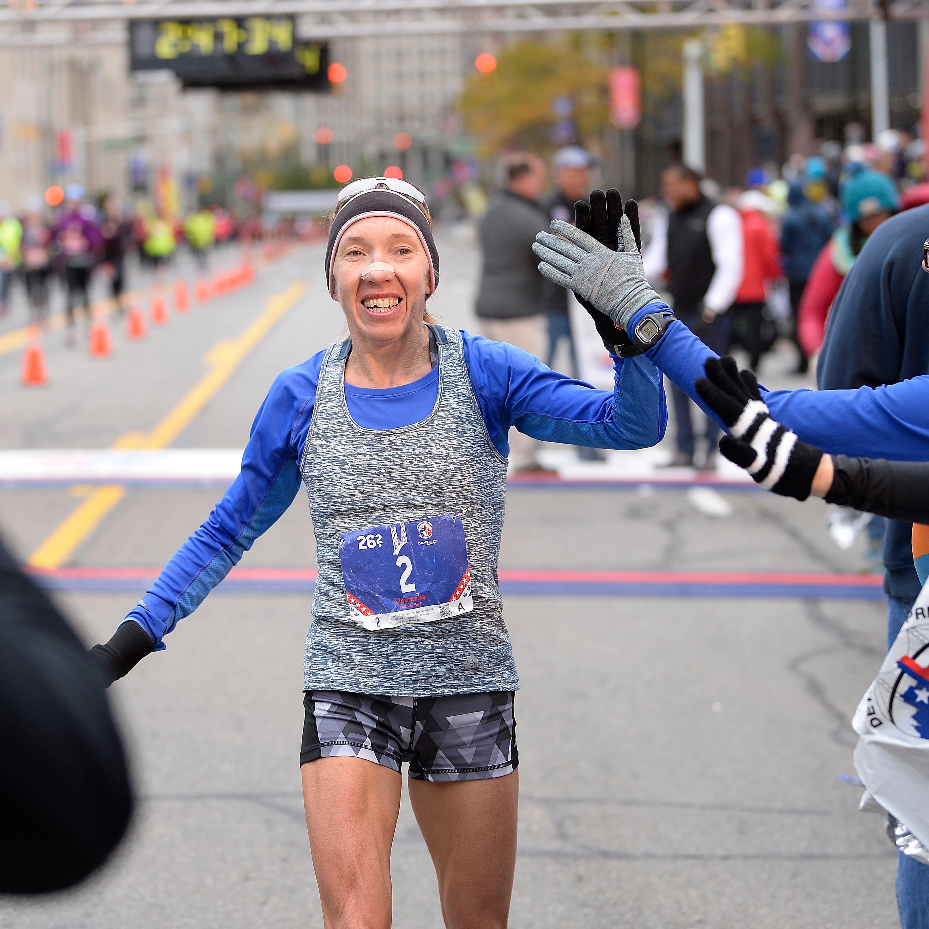 Cool temps suit Detroit marathon winners Chipsiya, Kortchaguina