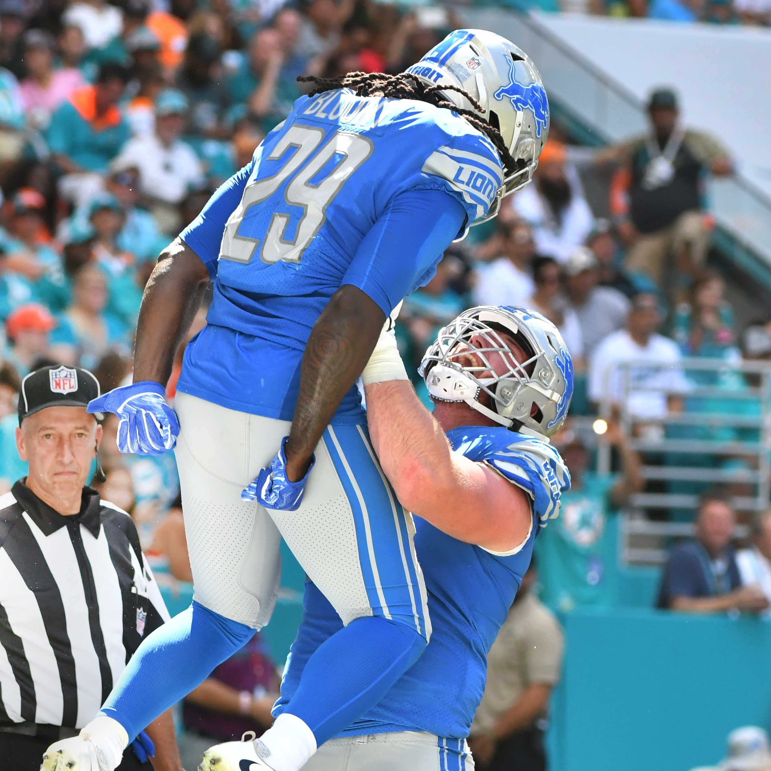 Miami nice! Lions claw back to .500 behind stellar ground game