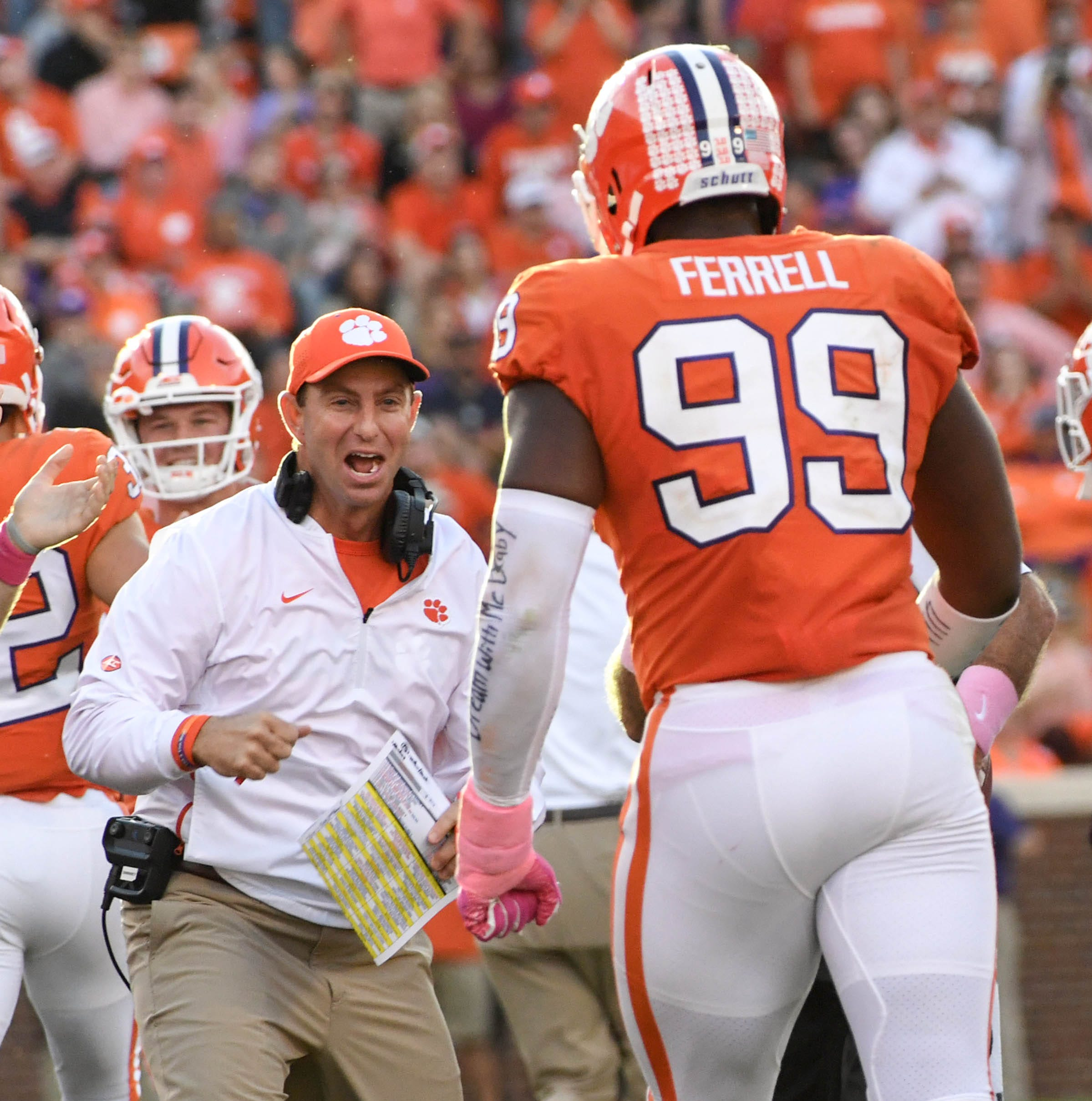 Blowout win, laptop gag show Clemson Tigers can dish it and take it