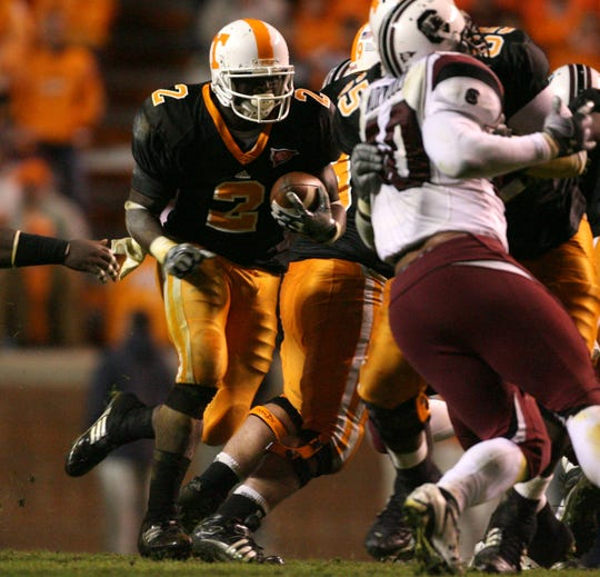 Tennessee running back Montario Hardesty (2) runs the ball during the game against South Carolina at Neyland Stadium Saturday, Oct. 31, 2009.  Hardesty carried the ball for 123 yards with 2 touchdowns.