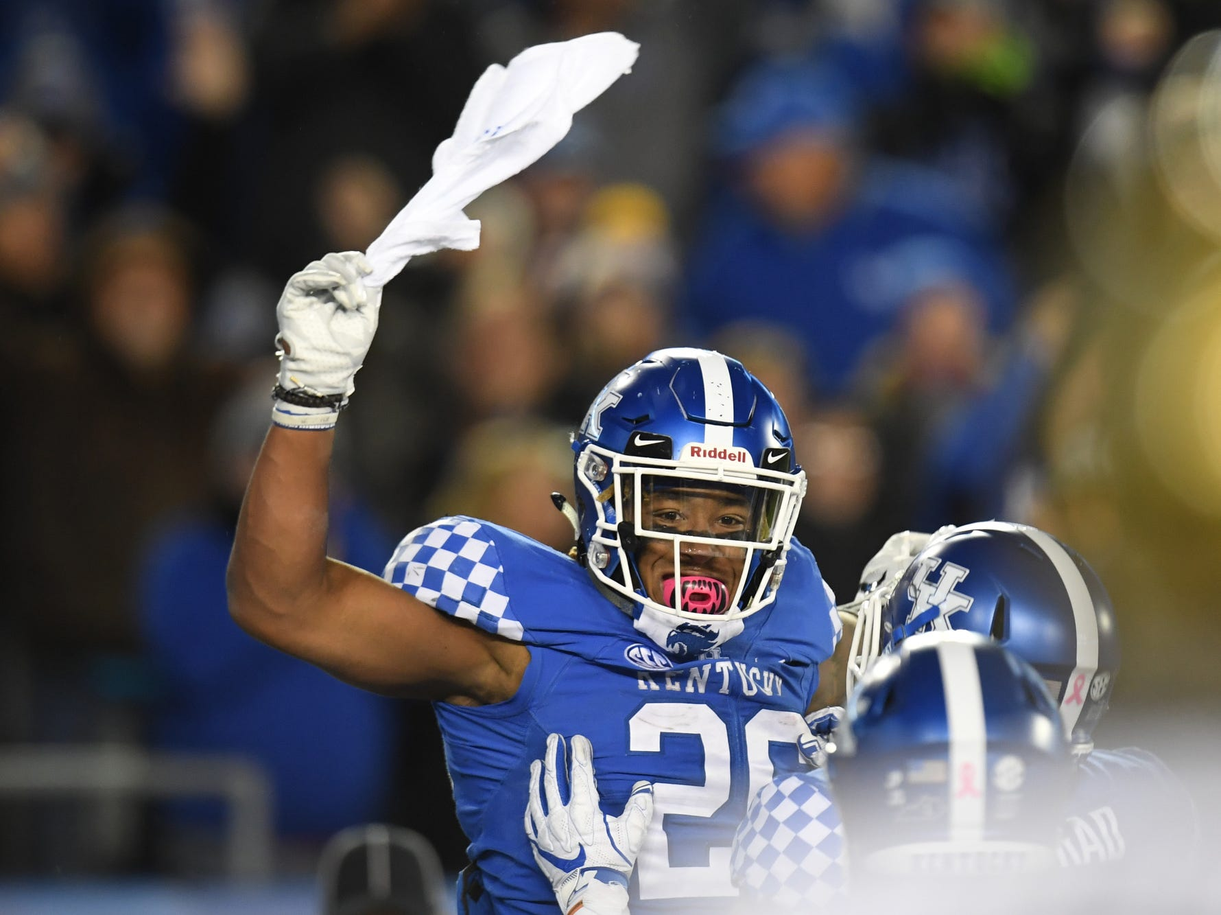 UK RB Benny Snell, Jr. celebrates a touchdown run during the University of Kentucky football game against Vanderbilt at Kroger Field in Lexington, Kentucky on Saturday, October 20, 2018.