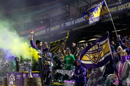 Fans Loucityplayoff Pearl07