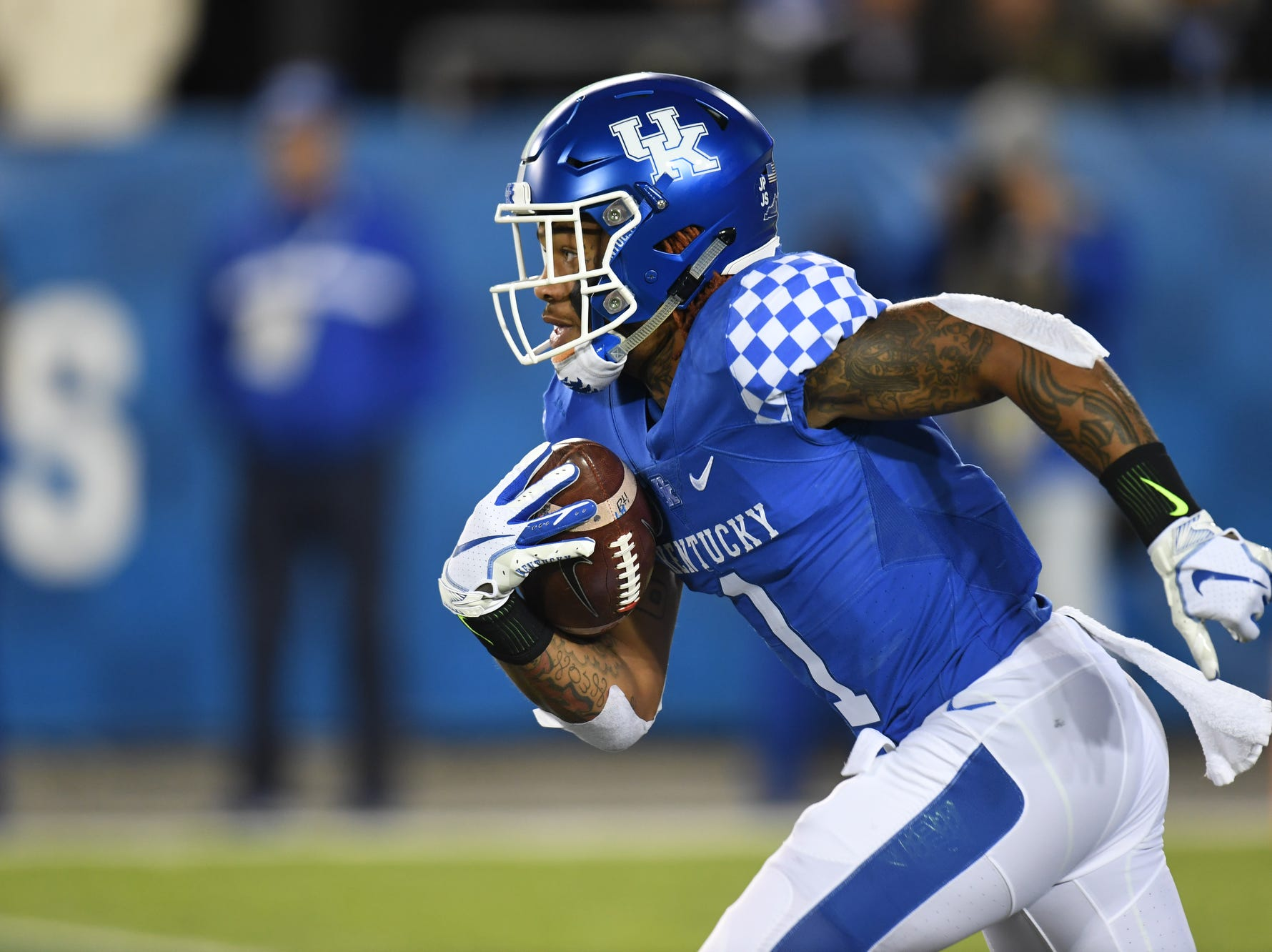 UK WR Lynn Bowden, Jr. runs with the ball during the University of Kentucky football game against Vanderbilt at Kroger Field in Lexington, Kentucky on Saturday, October 20, 2018.