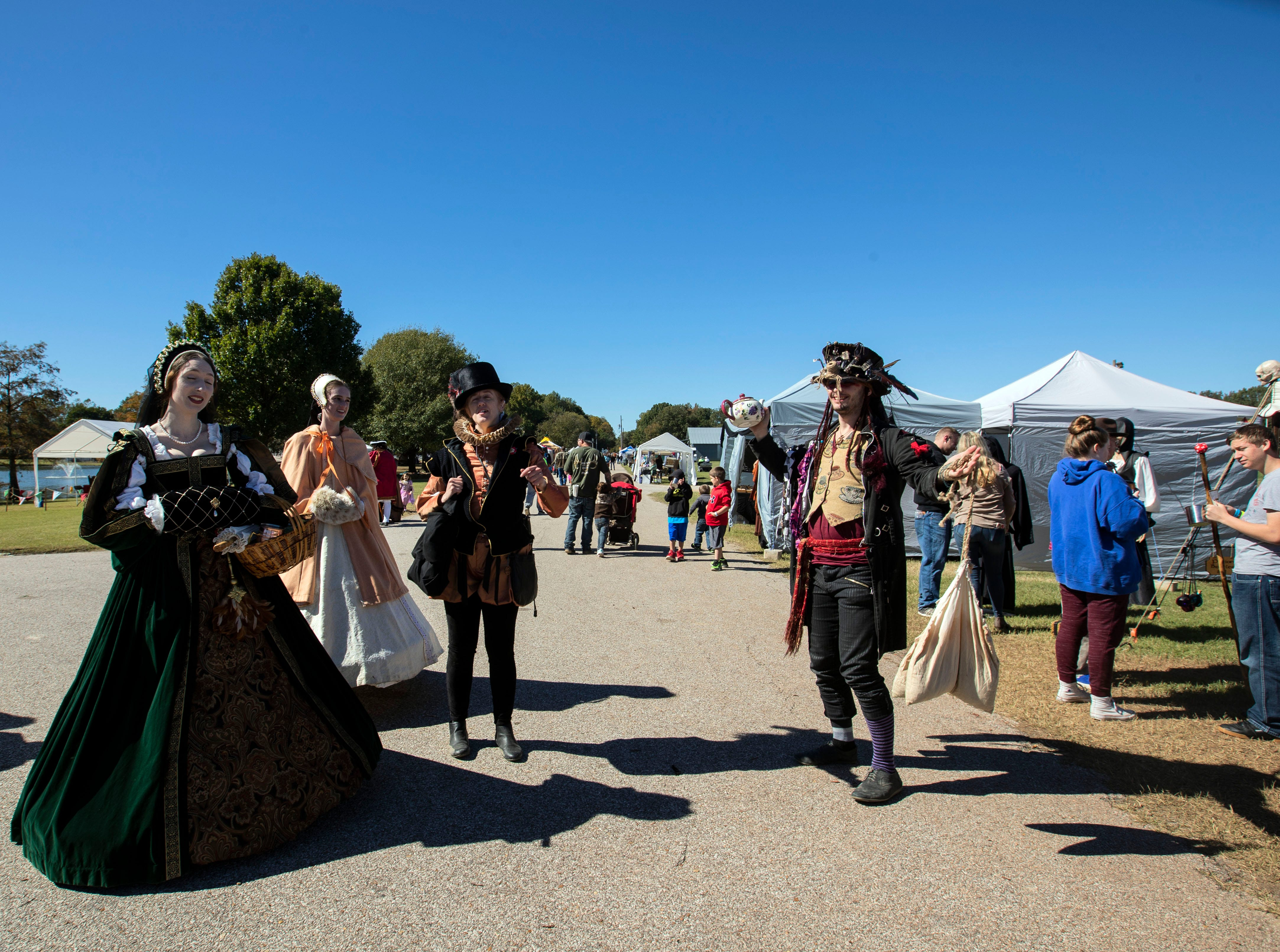 The Mid South Renaissance Faire theme was the reign of Queen Elizabeth I. The faire featured dances, be knights, performances and  jouster on horseback Sunday October 21,2018 in Millington, Tennessee.