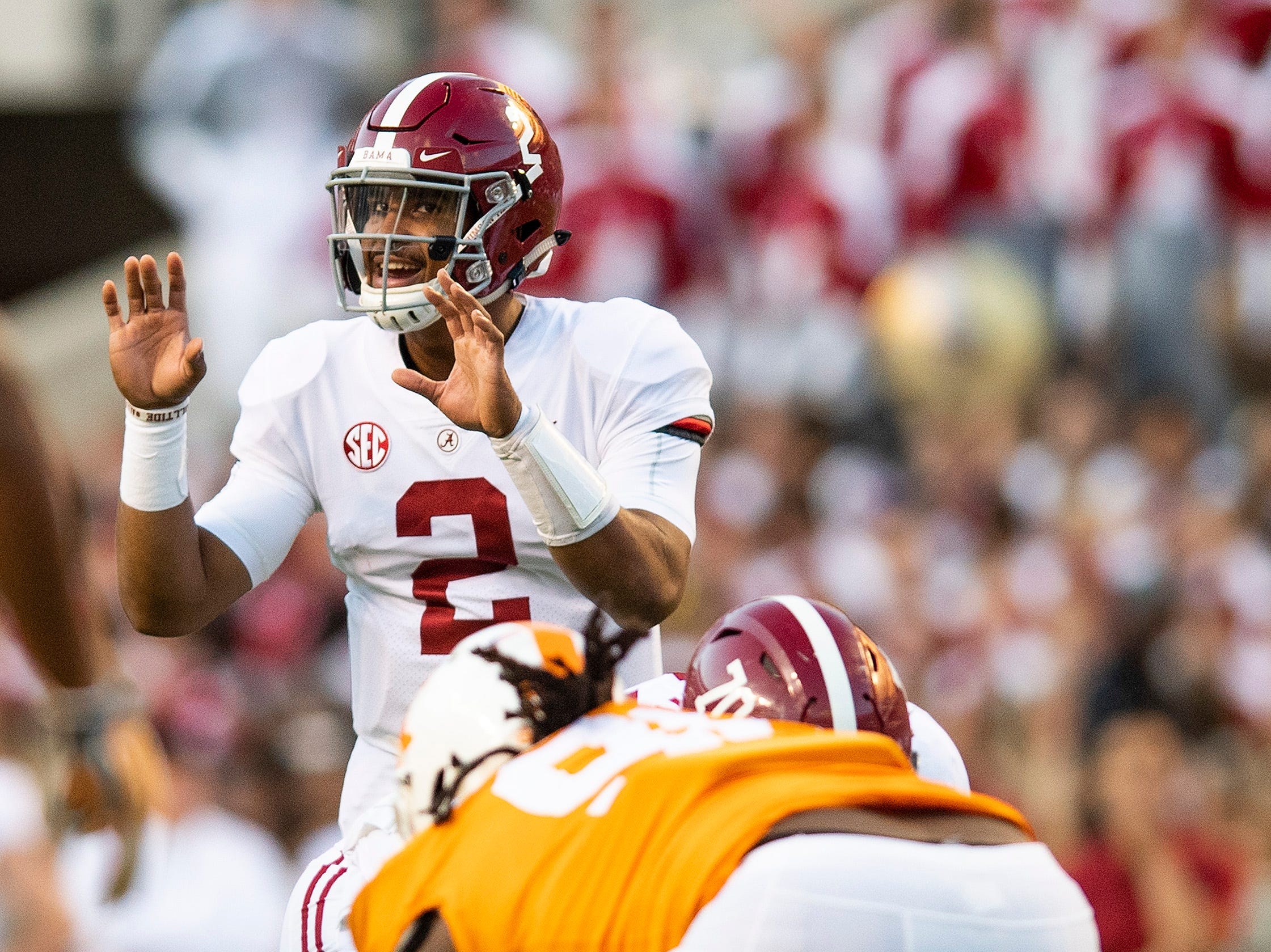 Alabama quarterback Jalen Hurts (2) direct from under center against Tennessee in second half action at Neyland Stadium in Knoxville, Tn., on Saturday October 20, 2018.