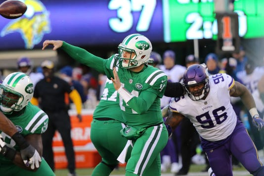 327b08aaa69 Jets' Sam Darnold struggles in 37-17 loss to Vikings