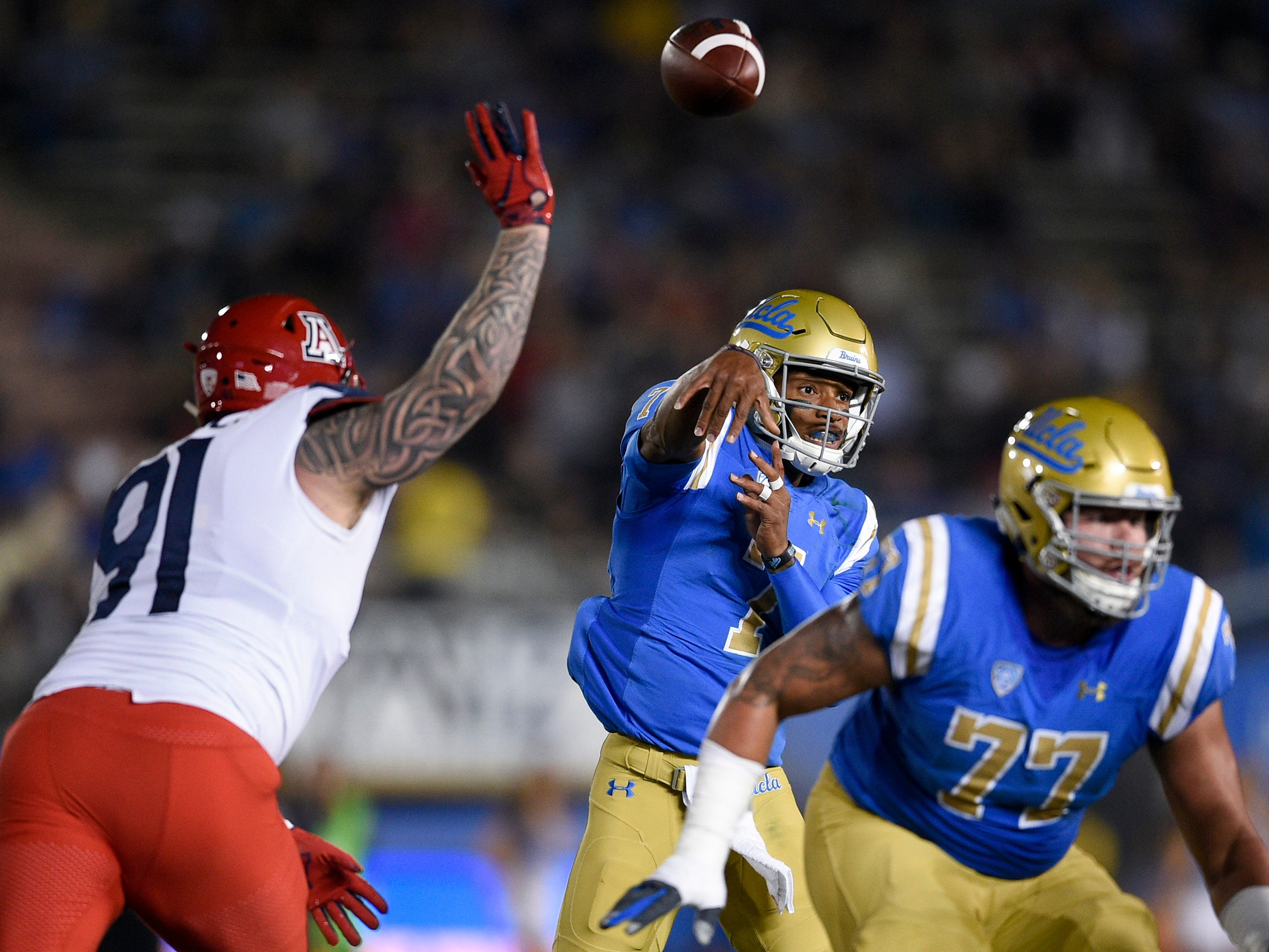 Oct 20, 2018; Pasadena, CA, USA; UCLA Bruins quarterback Dorian Thompson-Robinson (7) attempts a pass during the first half against the Arizona Wildcats at Rose Bowl. Mandatory Credit: Kelvin Kuo-USA TODAY Sports
