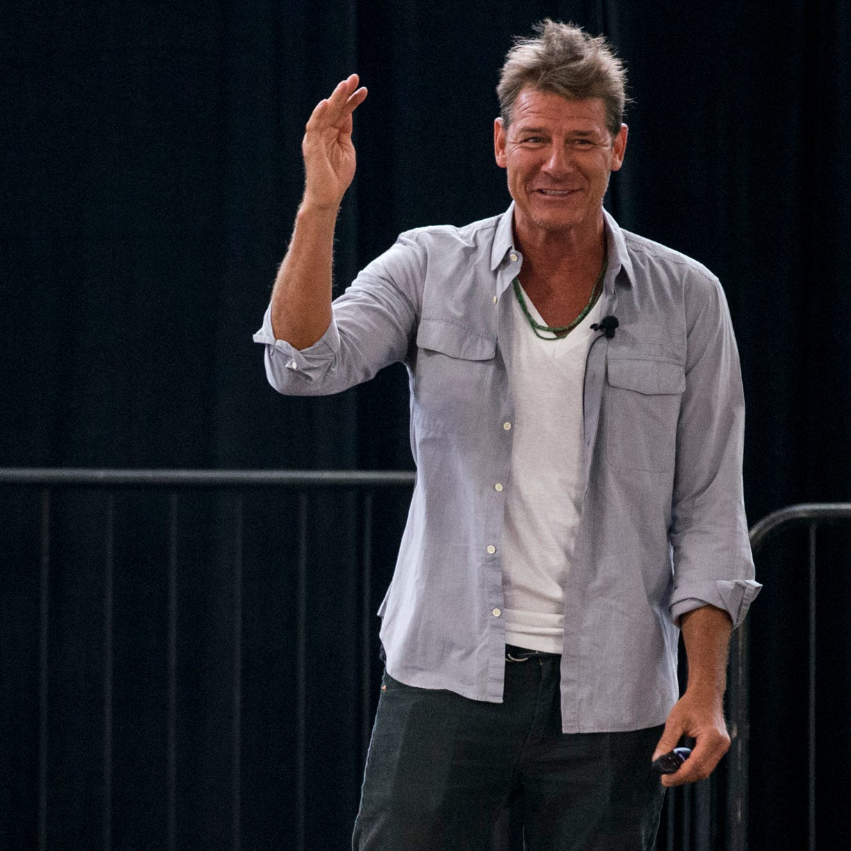 'Trading Spaces' star Ty Pennington shares home renovation tips during Valley visit