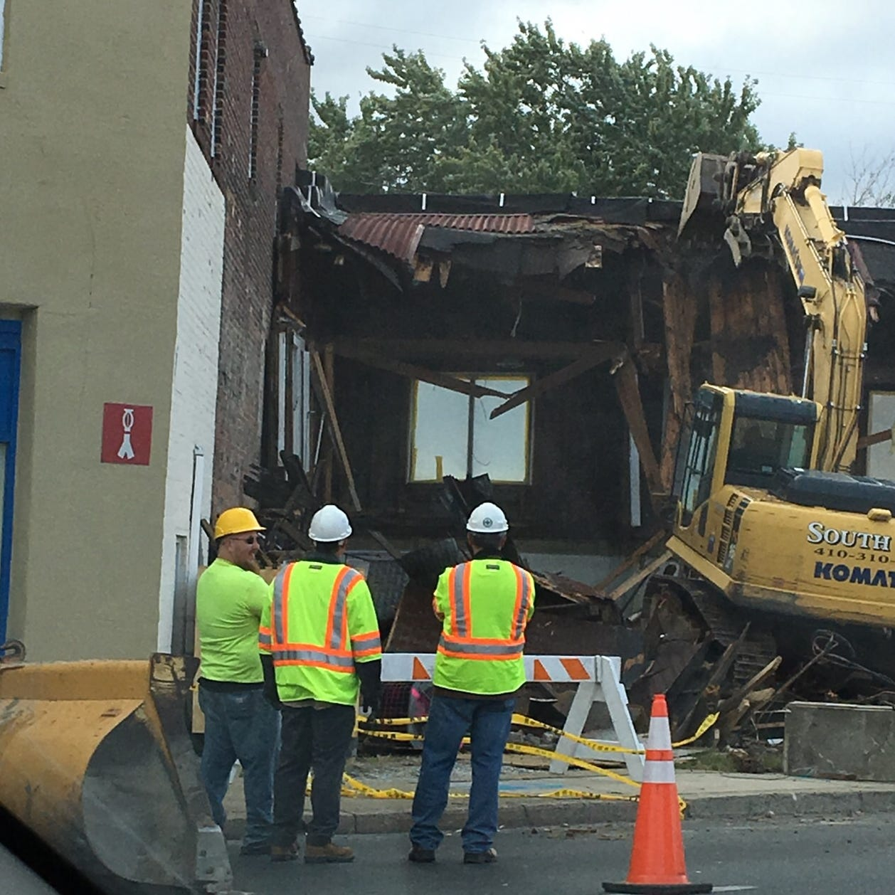 Sex shop razed in Salisbury on Route 13