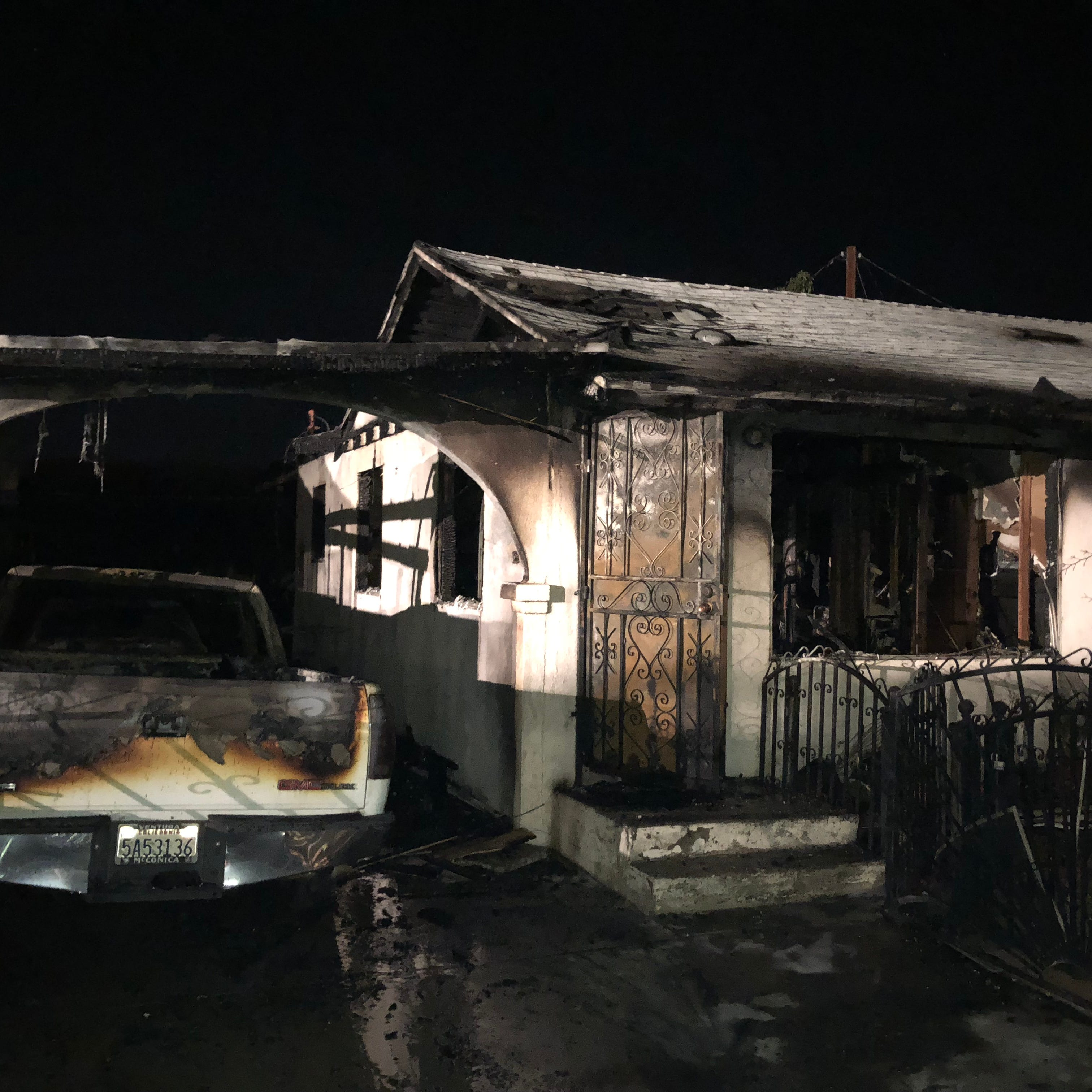 4 injured, 2 critical after Ventura fire destroys homes, vehicles