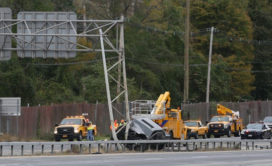 A pickup truck hit an overhead sign on southbound Interstate 684 in Katonah early this morning forcing the closure of all southbound lanes Oct. 21, 2018.