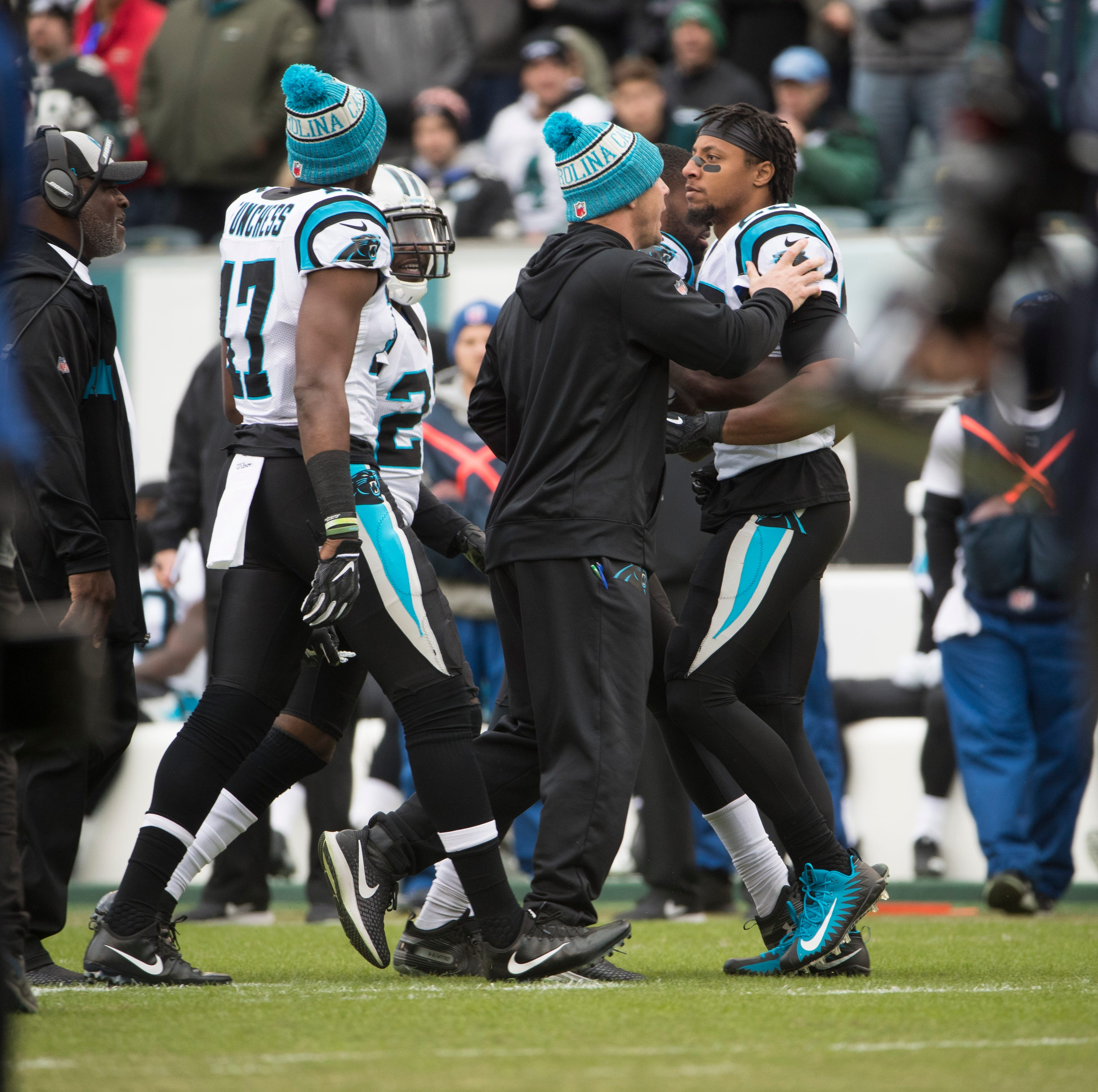 Panthers' Eric Reid shoves Eagles' Malcolm Jenkins, calls him 'a sellout'