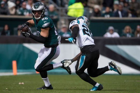 Eagles tight end Zach Ertz is on pace for 122 receptions this season, which would shatter the team record of 90 set by Brian Westbrook in 2007.