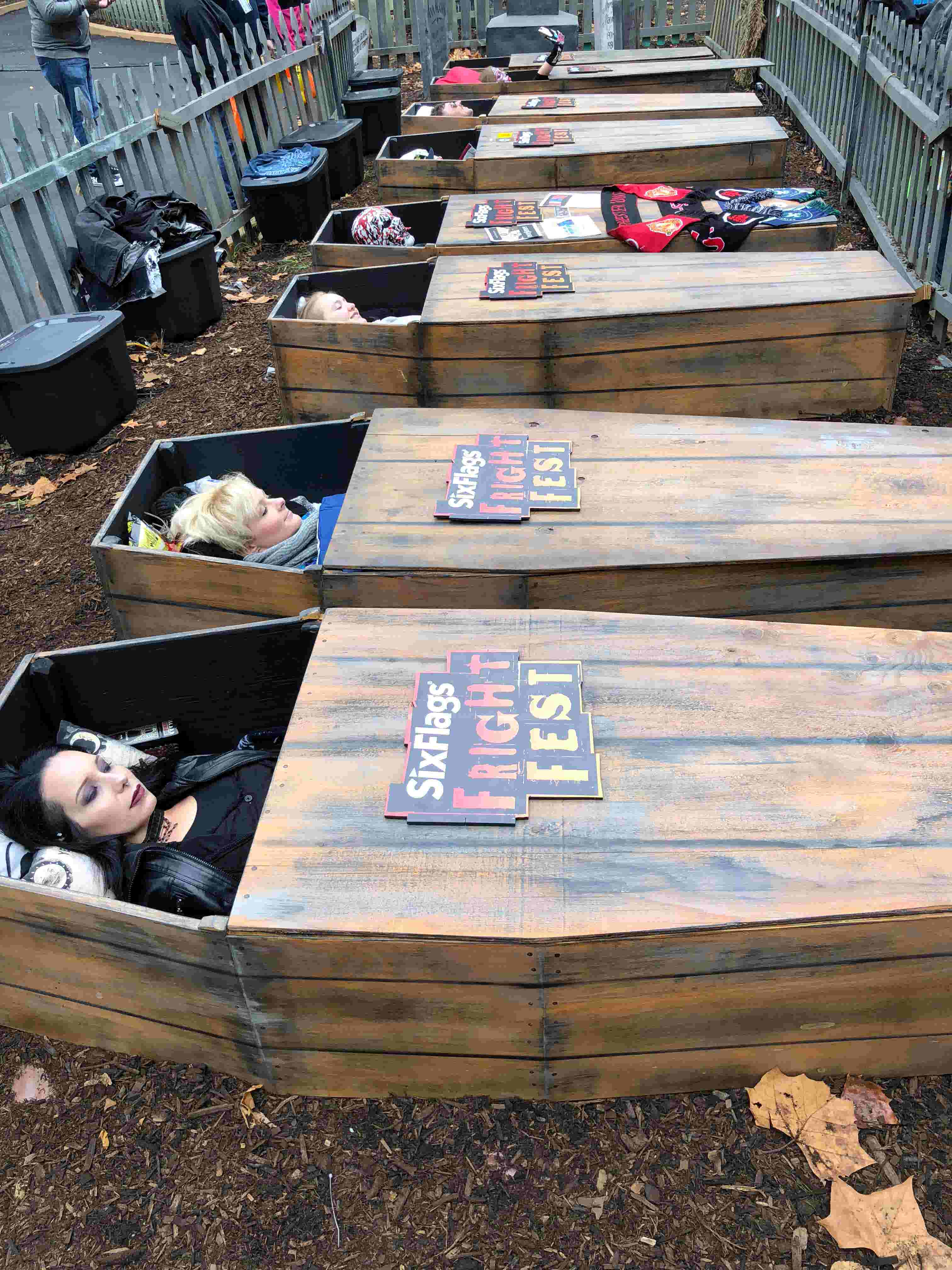 Meet The Swoman Spending 30 Hours In A Casket For Six Flags Coffin Challenge