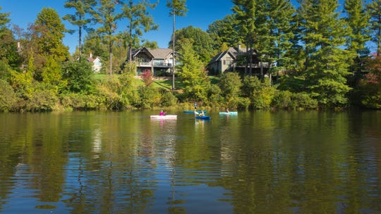 Fans of lakeside living don't have to sacrifice an ounce of luxury or creature comfort to feel at home.