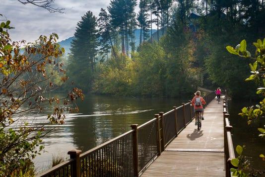 Biltmore Lake Photo 2