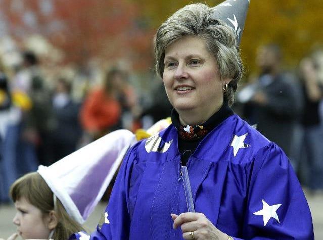 2003: Second grade teacher Brenda Lehtinen during Thomas Jefferson Elementary 42nd annual Halloween parade, Friday.