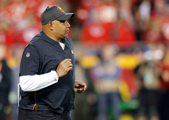 Cincinnati Bengals head coach Marvin Lewis runs tot he sideline before the first quarter of the NFL Week 7 game between the Kansas City Chiefs and the Cincinnati Bengals at Arrowhead Stadium in Kansas City, Mo., on Tuesday, Oct. 16, 2018.