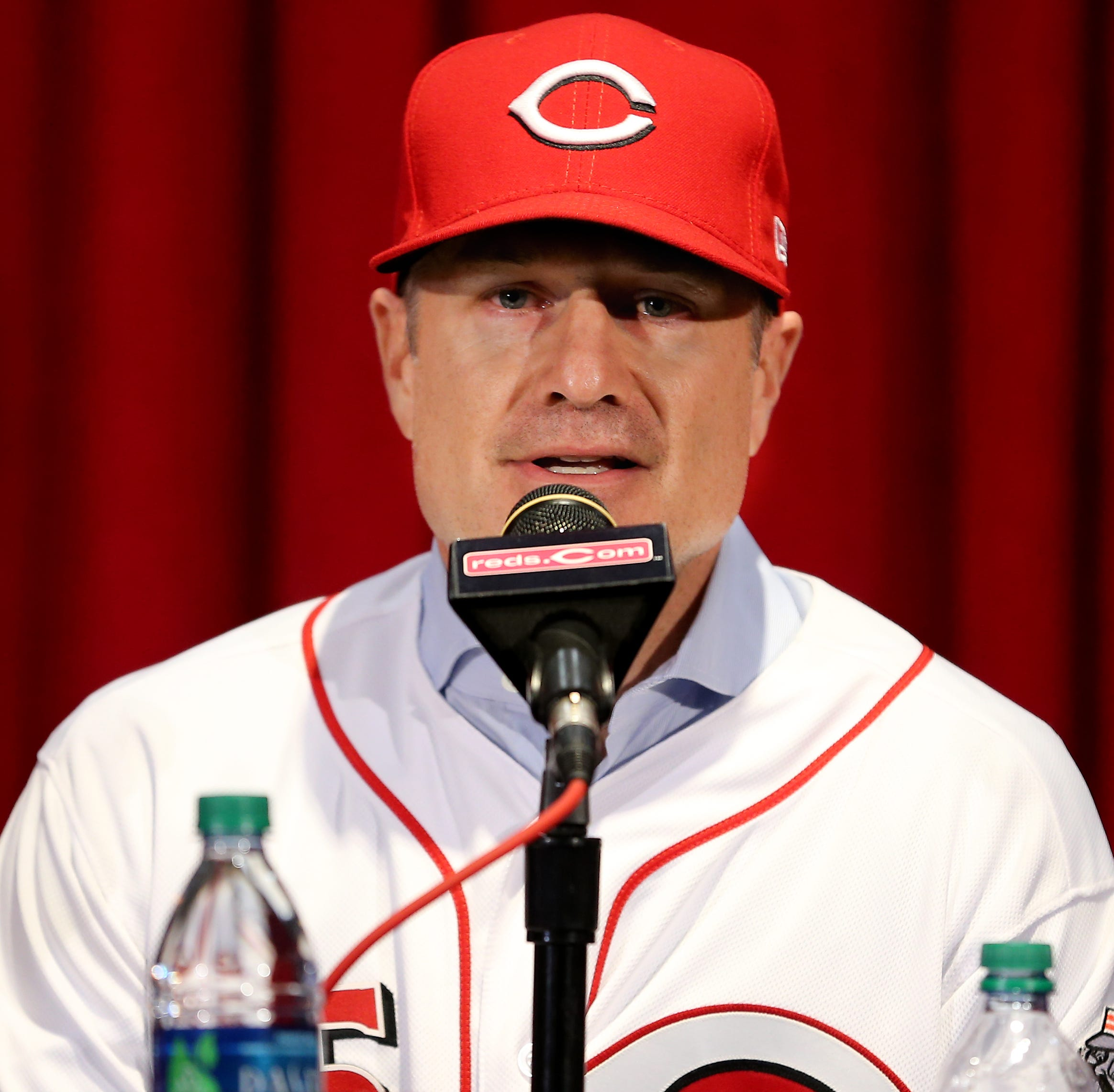 Cincinnati Reds add J.R. House as 3rd-base and catching coach on David Bell's staff