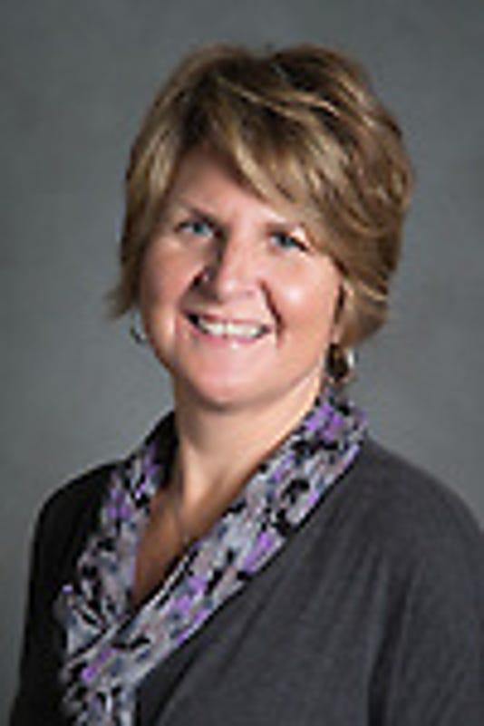 Linda Crenshaw Headshot