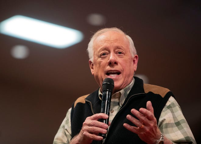 Former Tennessee Governor Phil Bredesen speaks to Memphis interfaith advocacy group MICAH at a call-to-action meeting for statewide candidates and local elected officials Sunday, Oct. 21, 2018.