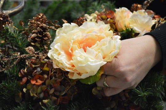 Kimberlee Grob used three types of flowers on this transeasonal wreath.