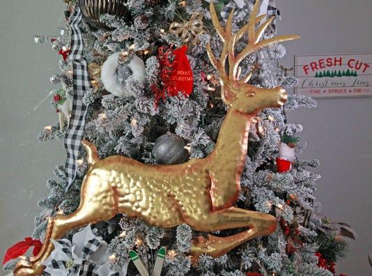 xmashome04 gold reindeer - Mcdonalds Open Christmas Day 2014