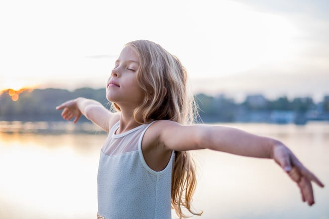 Expert Laura Cipullo says mindfulness can lower a child's stress level.