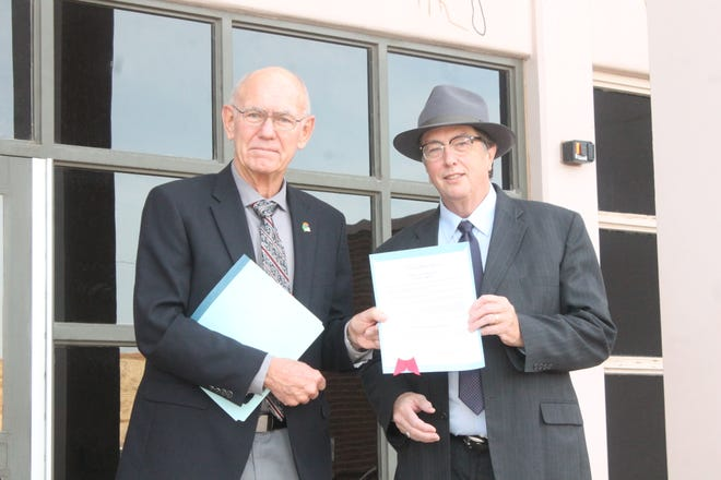 """Alamogordo Mayor Richard Boss and 12th Judicial District Judge James W. Counts proclaimed Saturday, Oct. 27 to be """"Free Legal Help Day."""" The legal fair will provide free legal consultation for those who need assistance navigating a variety of legal issues."""