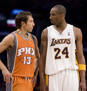 Steve Nash and Kobe Bryant talk during Game 4 of the Suns' 2007 playoff series against the Lakers.