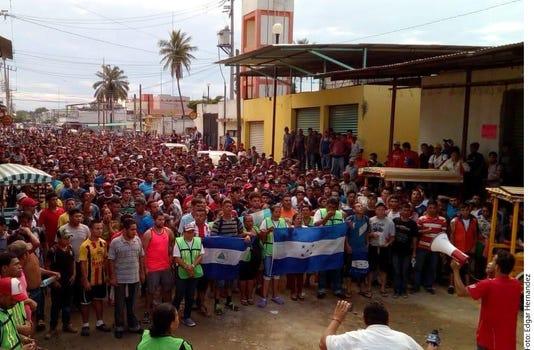 Marchan Migrantes Hacia Rio En 488078