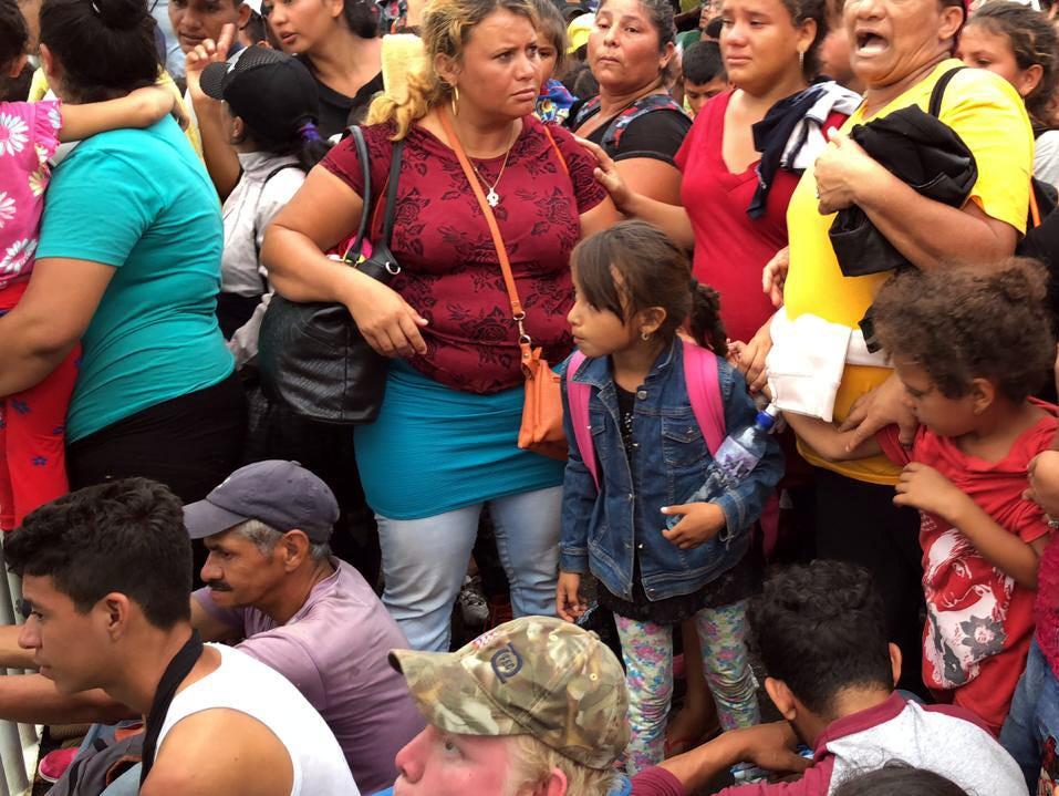 33 defensores de derechos humanos recordaron que desde el viernes pasado miles de centroamericanos, principalmente hondureños ingresaron a territorio nacional con destino a Estados Unidos.