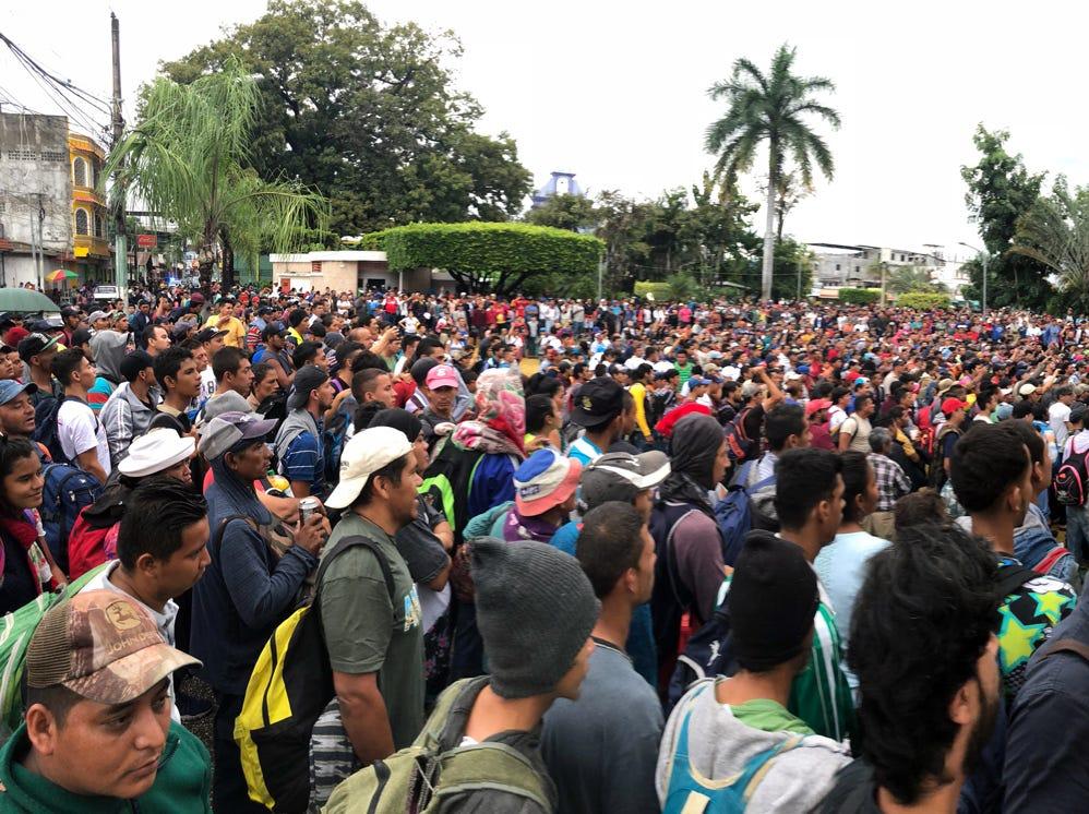 """En conferencia de prensa en la sede de la ONU en Nueva York, indicó que la caravana es resultado de las """"graves condiciones"""" que enfrentan los migrantes en sus lugares de origen."""