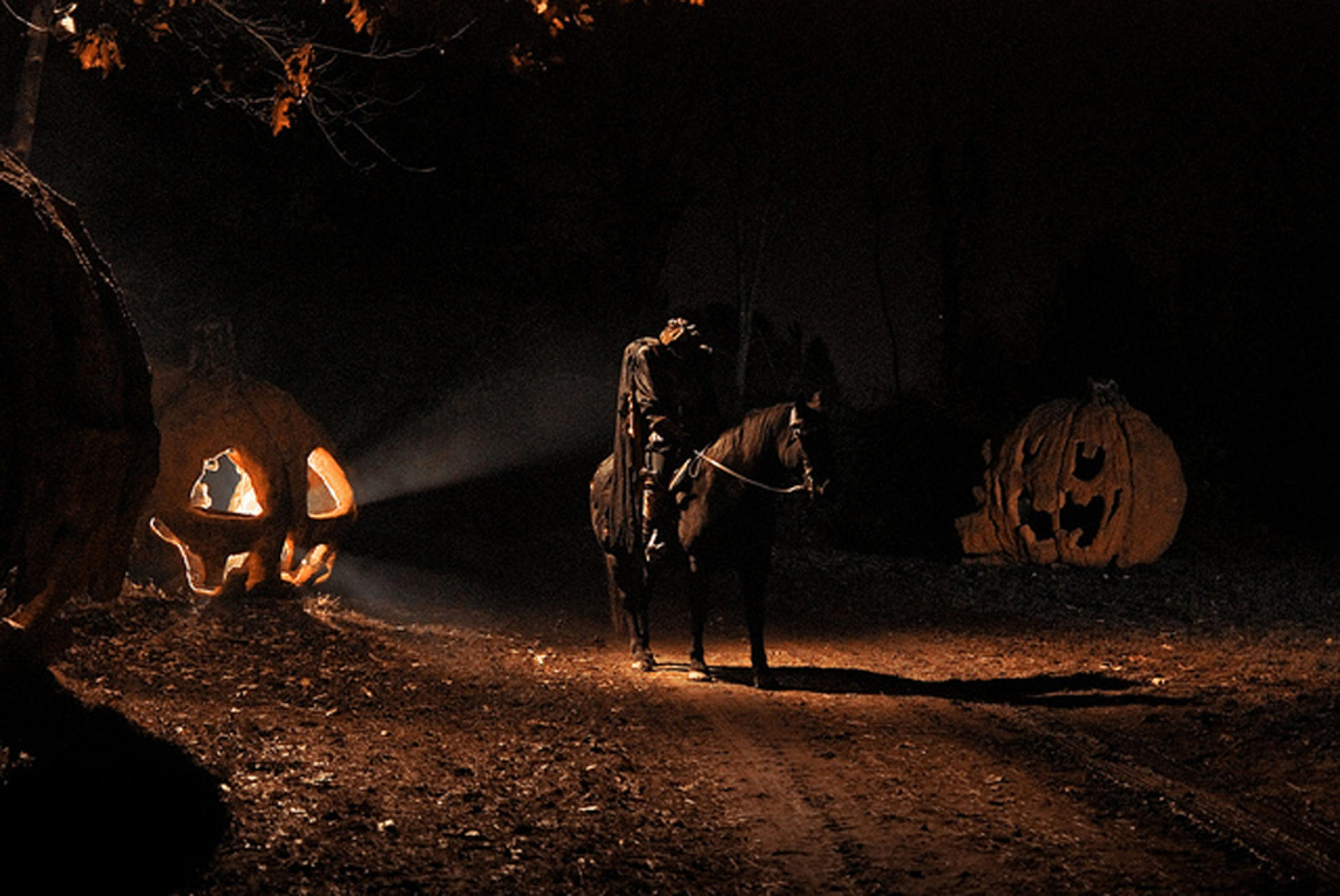 A scene from Headless Horseman Hayrides and Haunted Houses in Ulster Park.