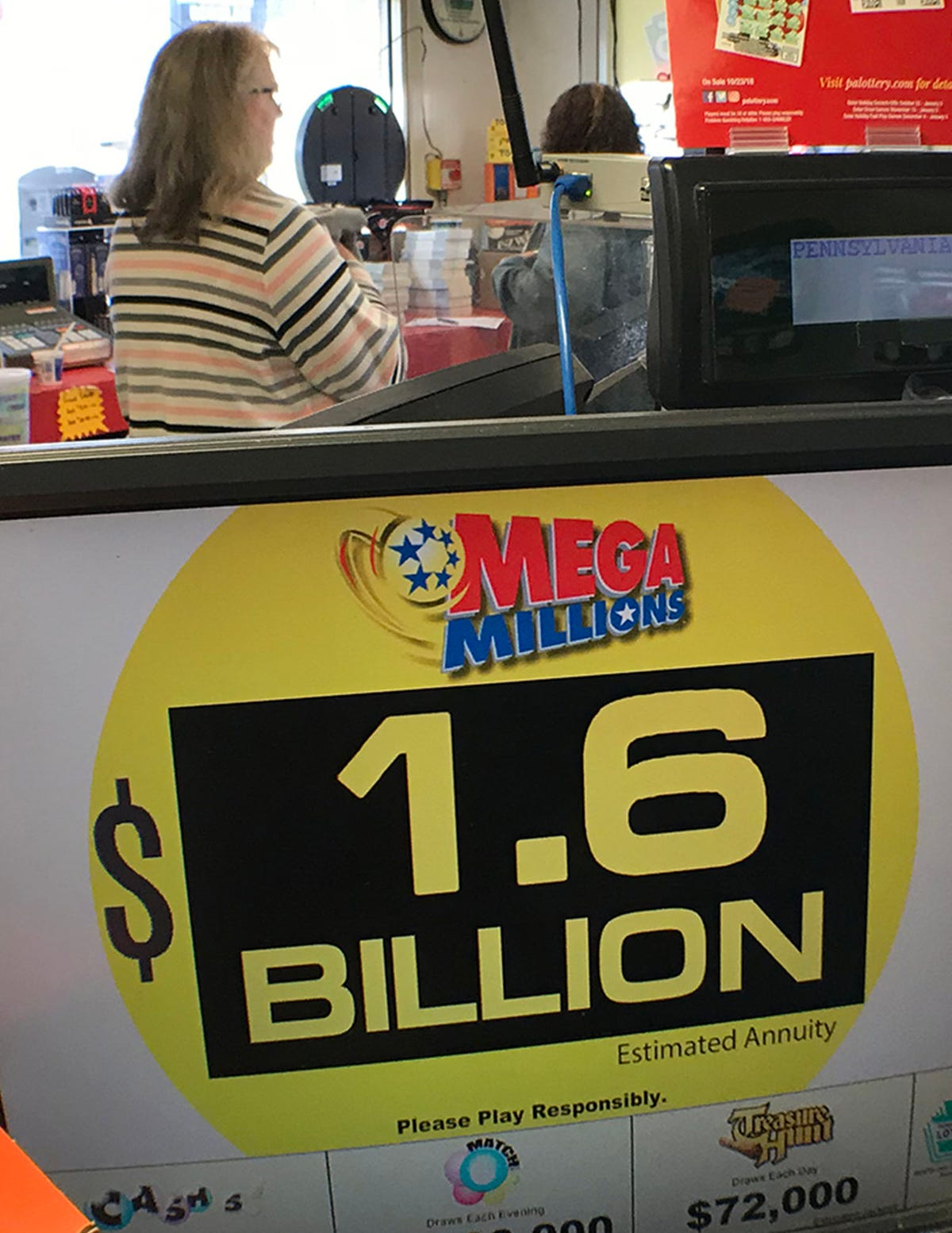 Powerball: Billionaire's accountant says don't blow it all
