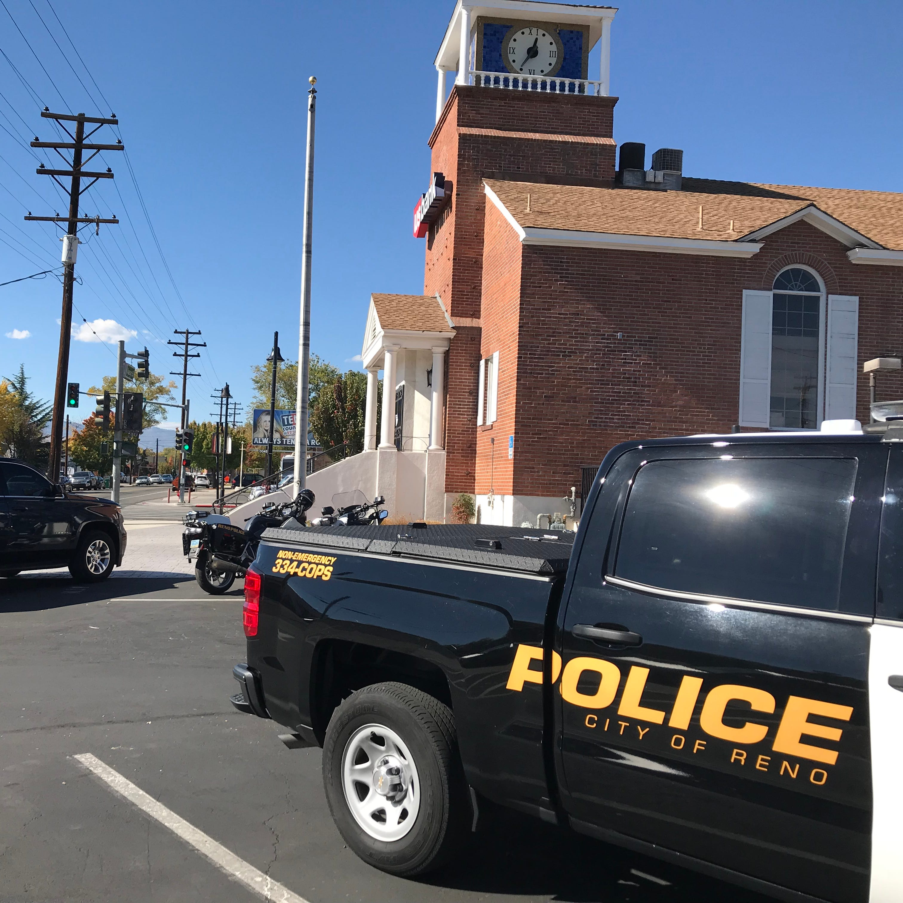 Reno police: US Bank on Wells and Vassar robbed Monday morning